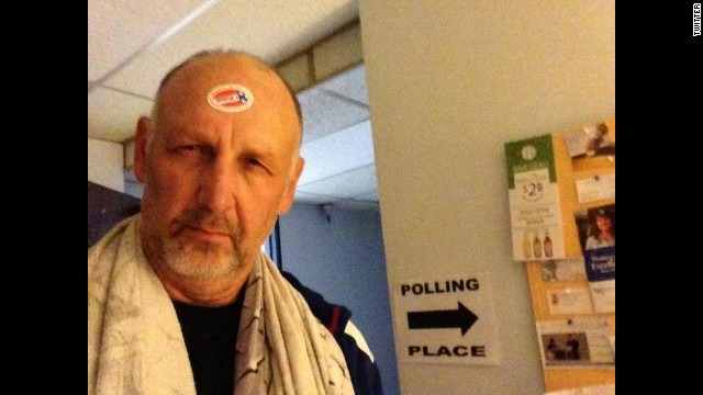 Actor Nick Searcy <a href='https://twitter.com/yesnicksearcy/status/529676317927940096' target='_blank'>tweeted this photo</a> -- and some choice words for Democrats -- after voting.