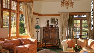 Cozy, 1920\'s-style rooms overlook Lake Timara, the Richmond Range mountains and a 25-acre garden.