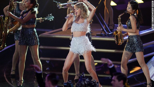 "Taylor Swift can indeed ""Shake It Off"" with the year she's been having, raking in $64 million. A platinum album and endorsement deals with Diet Coke and CoverGirl have made for a lucrative 2014."