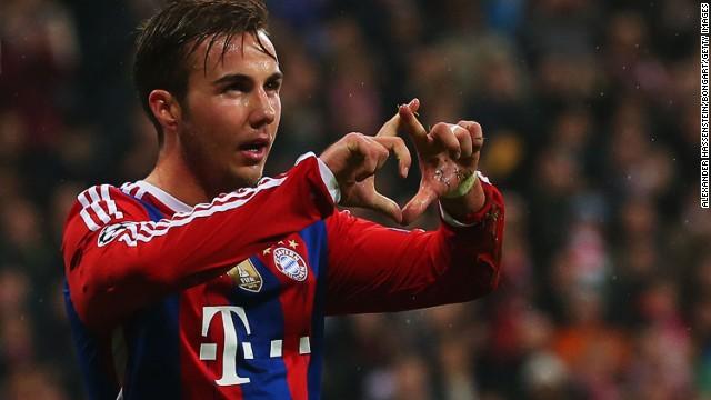 1a9057262f4 Bayern cruised to a 2-0 win over Italian side Roma, Mario Goetze (