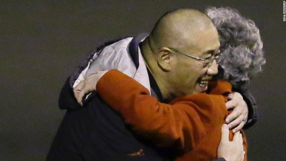 Regresan a su país los dos estadounidenses liberados por Corea del Norte