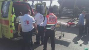1 Israeli killed, 3 wounded in stabbings