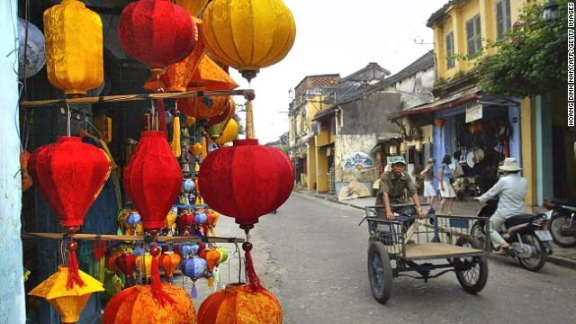 10. Hoi An (Vietnam)