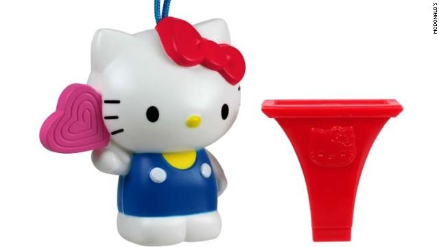 McDonald's retira 2,3 millones de silbatos de Hello Kitty