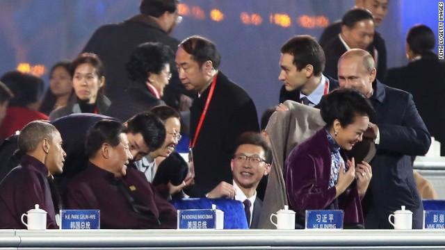 China 'borra' la caballerosidad de Putin con la primera dama