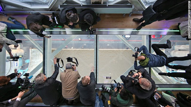 Visitors can watch pedestrian and traffic cross the River Thames from the high-level glass walkway. Each glass panel of the £1 million ($1.6 million) installation weighs more than 500 kilograms.