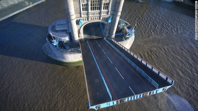 Tower Bridge opens 1,000 times every year for vessels, ships, sailing barges and cruises. During lift times visitors can watch the bascules raising below their feet.