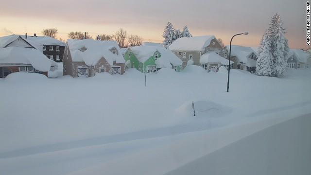 Buffalo está bajo nieve... y espera 90 centímetros más
