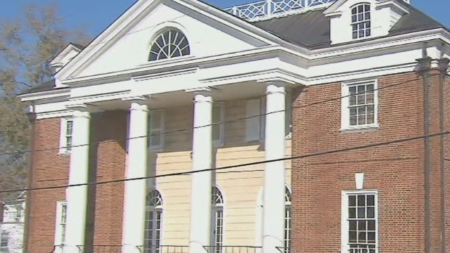 La Universidad de Virginia suspende las hermandades tras la denuncia de una violación