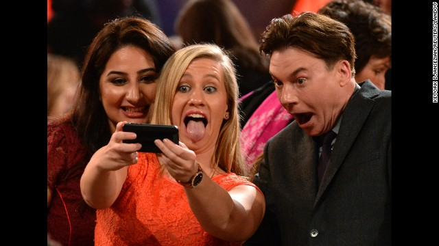 "Extreme close-up! Actor Mike Myers harkens back to his <a href='https://www.youtube.com/watch?v=kdz3rHmQbsw' target='_blank'>""Wayne's World"" days</a> as he takes a selfie with guests at the Hollywood Film Awards on Friday, November 14."