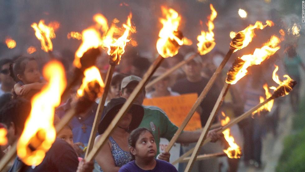 Masivas protestas en México al cumplirse dos años del gobierno de Peña Nieto
