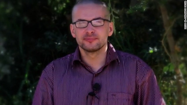 <strong>Luke Somers</strong>, a photojournalist being held captive by al Qaeda in the Arabian Peninsula (AQAP), was shown begging for his life in a video released by the terror group. Somers was <a href='http://www.cnn.com/2014/12/06/world/meast/yemen-u-s-hostage-killed/index.html' target='_blank'>killed by AQAP militants</a> during a raid conducted by U.S. forces on Friday, December 5. A U.S. official said that during the raid, one of the terrorists ran inside the compound and shot Somers and South African hostage, Pierre Korkie.