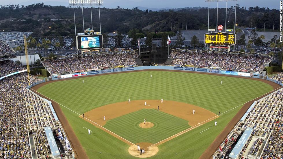2. Dodger Stadium (Los Angeles)