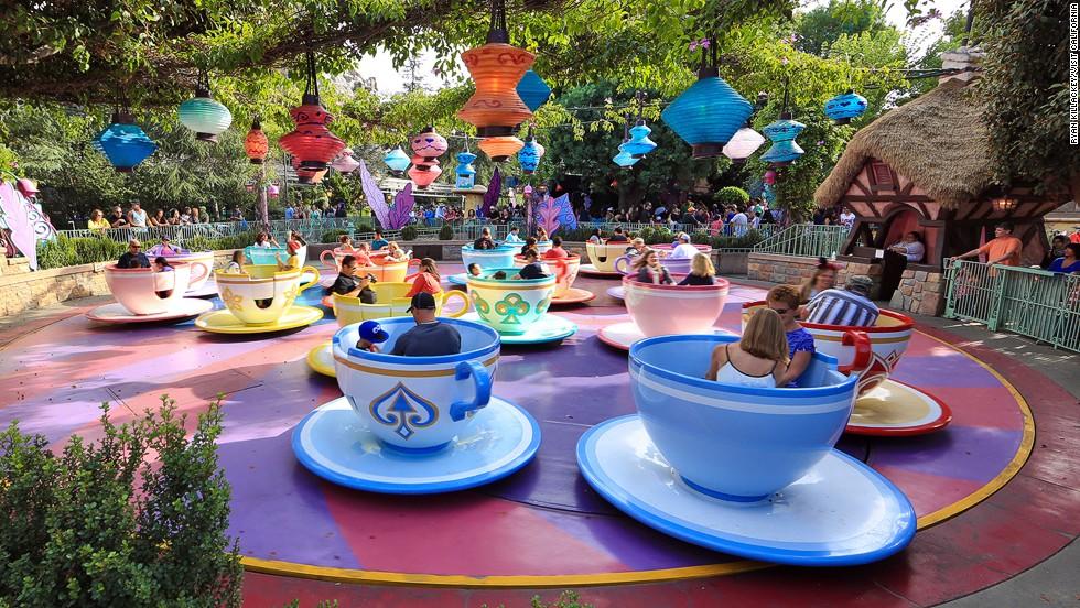 1. Disneyland (Anaheim, California)