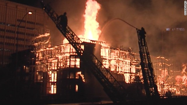 141208060055 early vo ca los angeles huge fire 00004902 story top