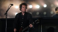 Green Day's Jason White has tonsil cancer, the band reported on its website.