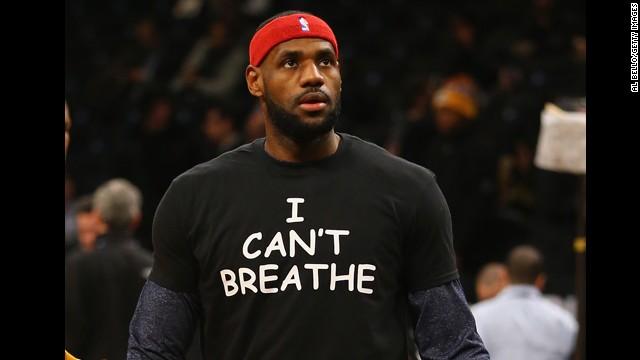 """LeBron James usa camiseta de """"No puedo respirar"""" en protesta por caso Eric Garner"""
