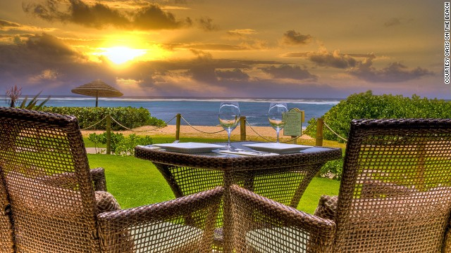 Views overlooking Waipouli Beach on Kauai's Kapa'a coast are fantastic. Drinks at Oasis on the Beach are even more so, including homemade macadamia hot-buttered rum with cloves.