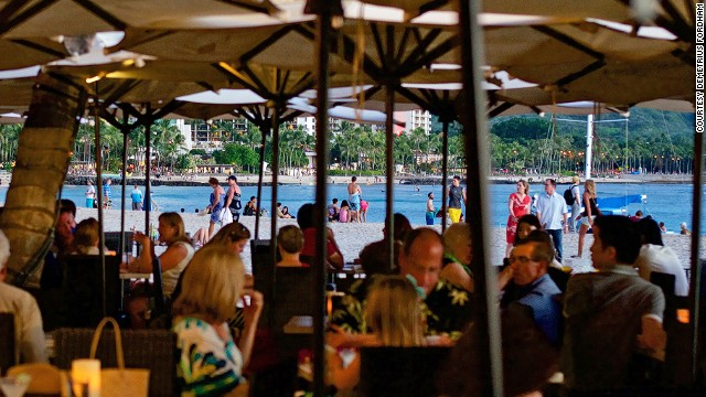 Heather Graham and Ellen DeGeneres have been spotted at Waikiki's Mai Tai Bar. No doubt, they enjoyed the contemporary Hawaiian musical trio that plays six nights a week.
