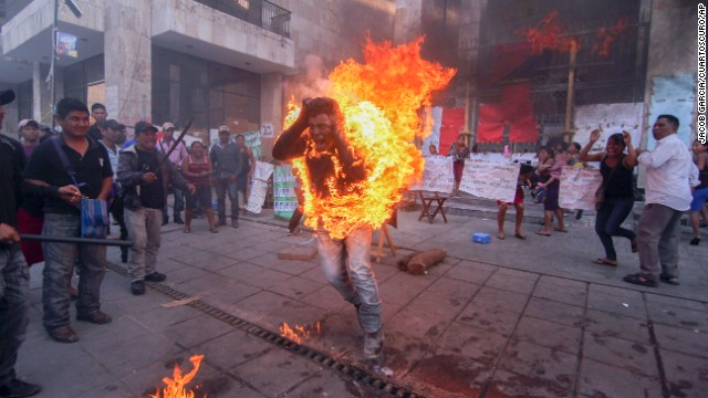 <strong>December 5:</strong> Agustin Gomez Perez, a 21-year-old farmer, allowed himself to be lit on fire to as he protested outside the Chiapas state legislature in Tuxtla Gutierrez, Mexico. Perez was demanding the release of his father, an indigenous leader arrested last year.