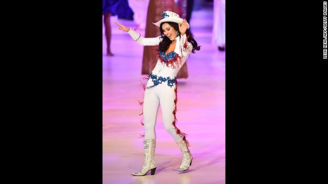 Miss United States Elizabeth Safrit performs.