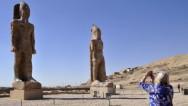 Estatua de faraón se alza después de 3.000 años