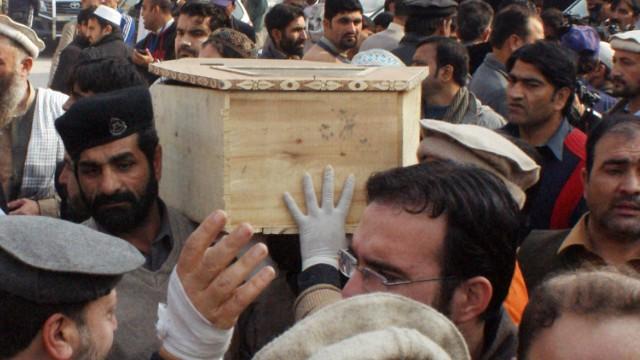 Ejército paquistaní mata a decenas de militantes