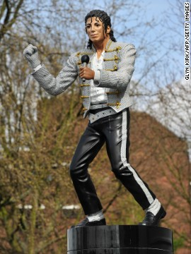 "One of football's most infamous statues used to stand outside of Fulham's Craven Cottage stadium. The ""King of Pop"" Michael Jackson once attended a match at the ground as he was friends with former owner of the club Mohamed Al-Fayed."