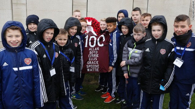 Youngsters from Hearts, which played an integral part in Britain's First World War effort, attended a memorial for those from the Scottish club who lost their lives. McRae's Battalion, which comprised of players from Hearts, suffered heavy casualties.