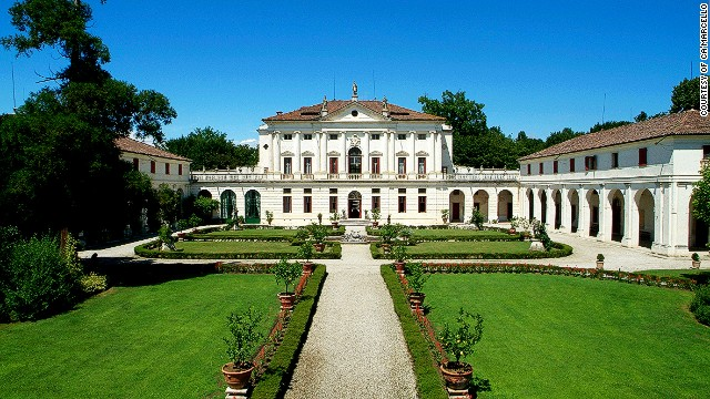 Italy's cash-strapped counts and countesses threw open the doors of their centuries-old palaces to tourists, wearing picturesque hats while guiding them through grand estates.