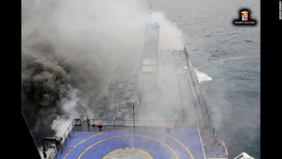 Incendio en ferry que iba de Grecia a Italia