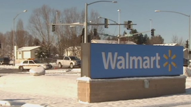 Niño de 2 años mata a su madre en Walmart