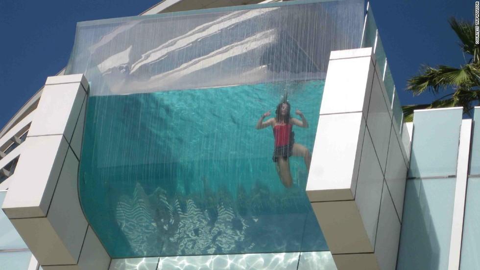14 de las piscinas de hoteles m s extravagantes del mundo for La piscina mas temible del mundo