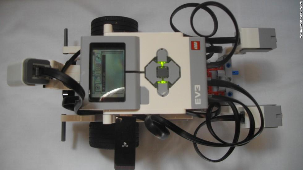 La mente de una lombriz en un robot Lego