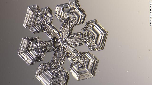 Una ingeniosa manera de ver los copos de nieve