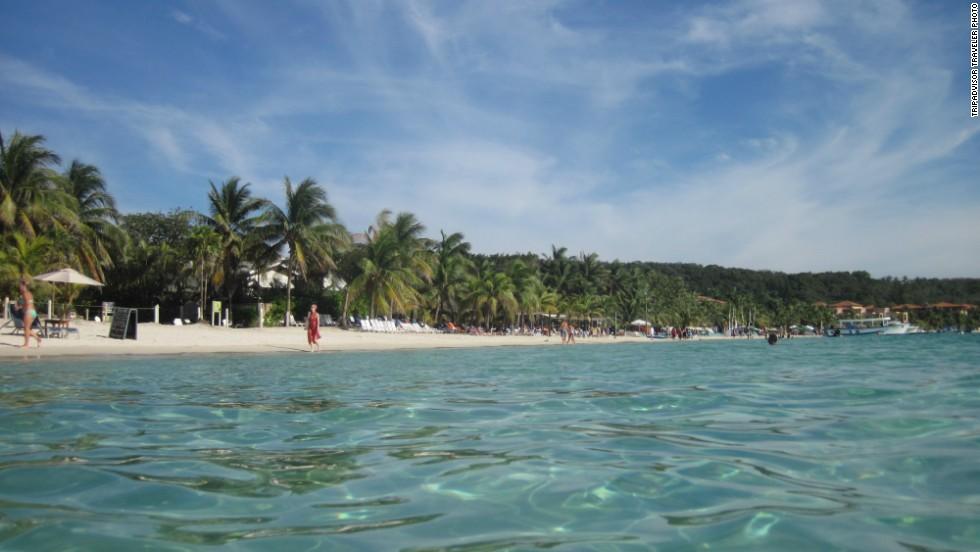 15. Playa de Bahía Oeste, Honduras