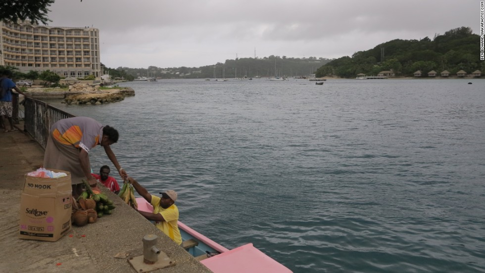 El ciclón tropical Pam golpea Vanuatu