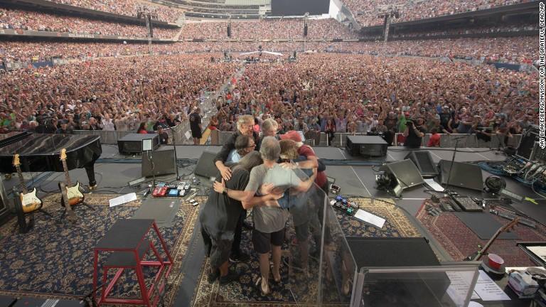 Grateful Dead end long, strange trip in Chicago