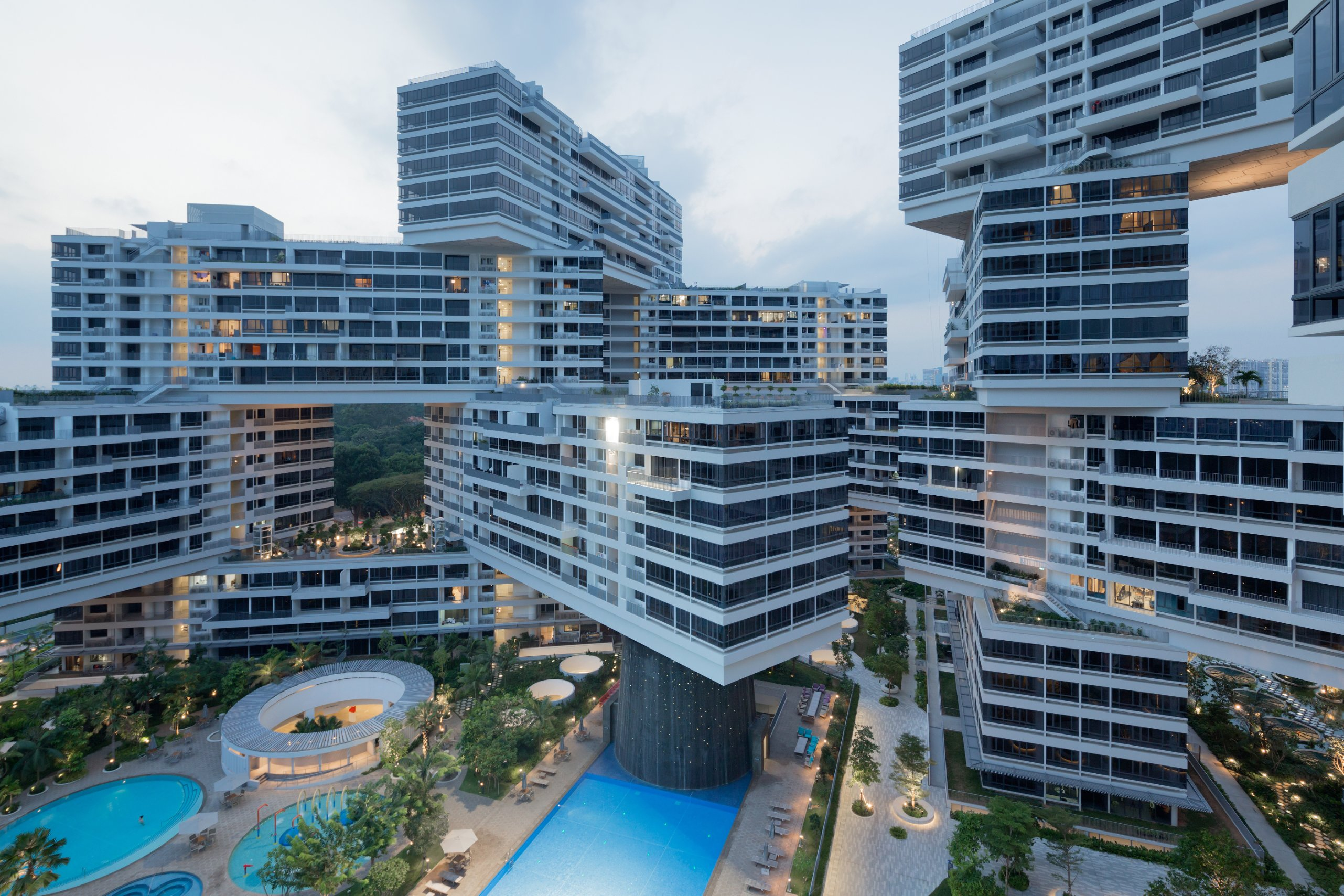 160624163455 ole scheeren oma the interlace.jpg