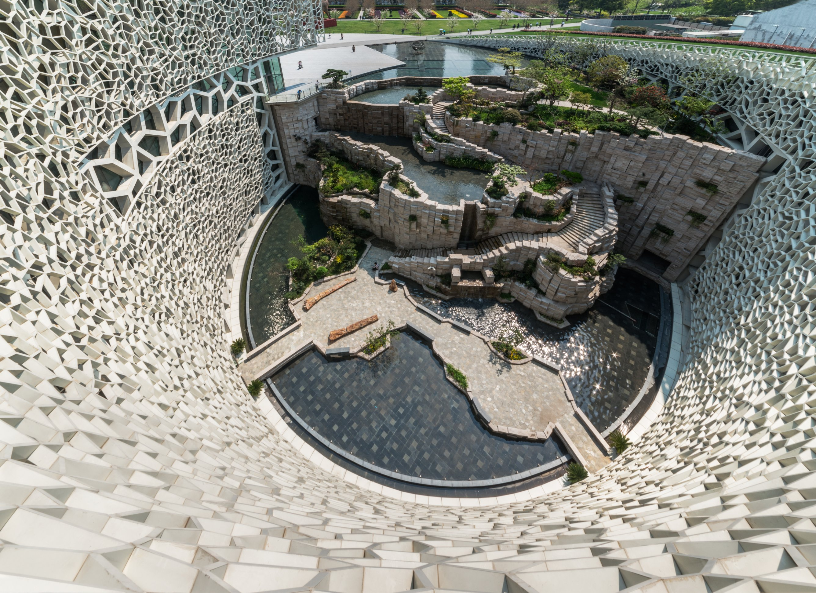 Home to have angered locals is a 30 000 square foot creation of hadid - Home To Have Angered Locals Is A 30 000 Square Foot Creation Of Hadid 21