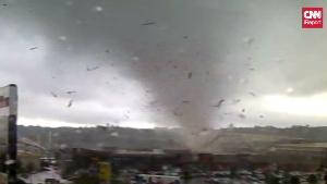 [Immagine: irpt.vo.auckland.tornado.ireport.300x169.jpg]