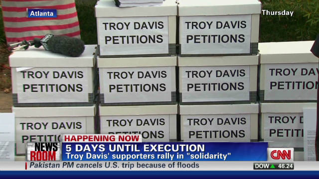 Troy Davis supporters rally in solidarity
