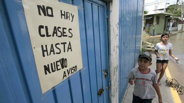 Acapulco teachers: no security, no class