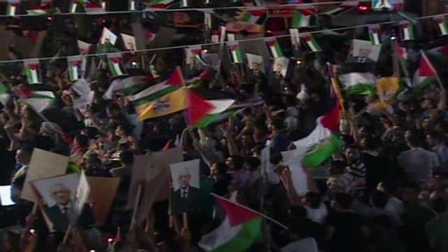 Cheers as Abbas takes stage at U.N.