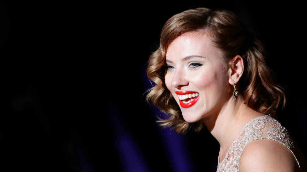Actress Scarlett Johansson attends the Dolce & Gabbana fashion show