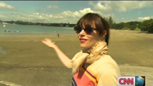 cnn go auckland beach life_00004124