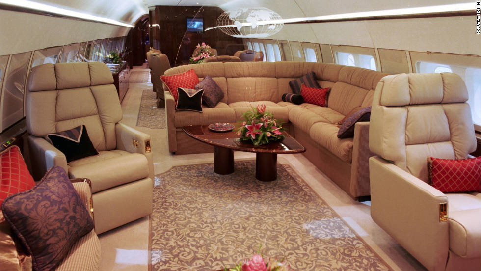 The inside of a Boeing 737 Business Jet: plenty of space for a so-called narrow-body aircraft.