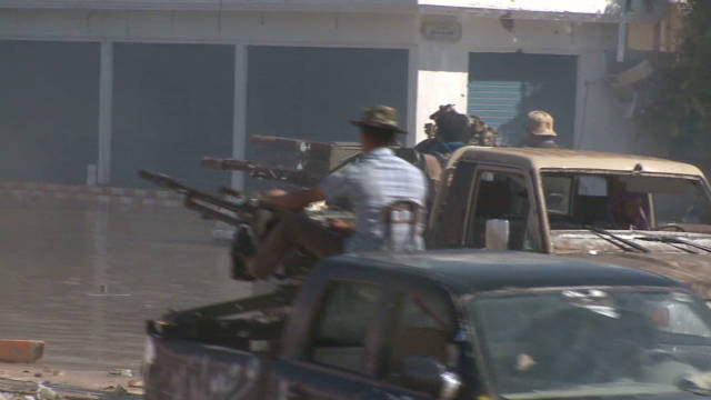 Anti-Gadhafi forces siege Sirte