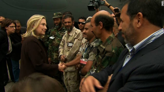 Clinton in Libya to back new leadership