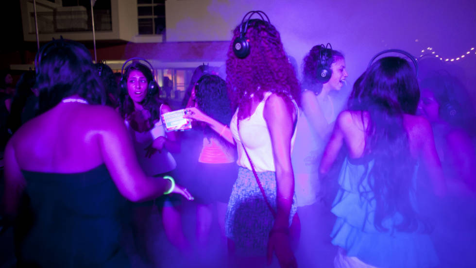 Tel Aviv's youth partying at a Silent Disco, 2011